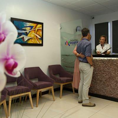 Dental Experts Guatemala, Dental Clinic Reception